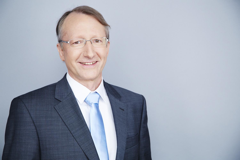 Dr. Alain Geloen
