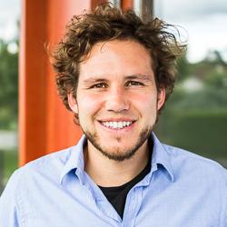 Yann, PhD in Physics