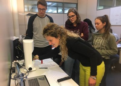 Nanolive live cell imaging microscope: college students working with the 3D Cell Explorer